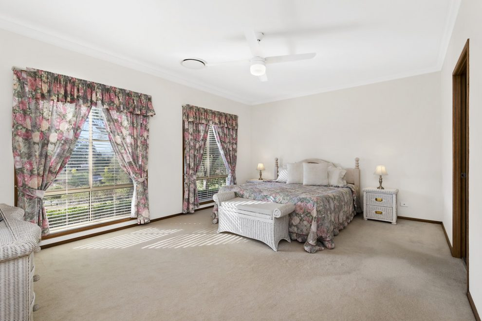 Elegant Home in Exclusive Neighbourhood – OPEN HOME CANCELLED