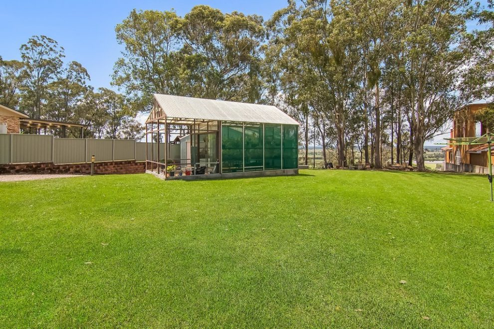 Immaculate Home and Shed with Majestic Views