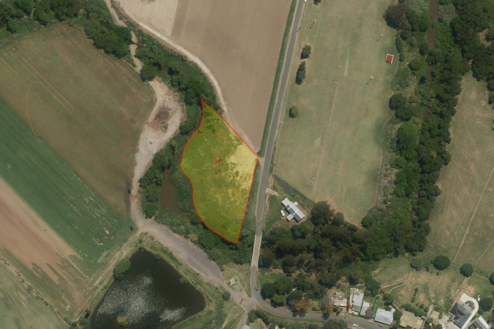 2 Acres Close to Windsor Township