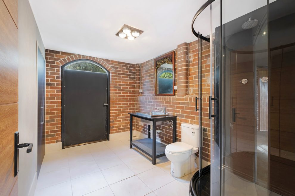 Exquisitely Renovated One Bedder