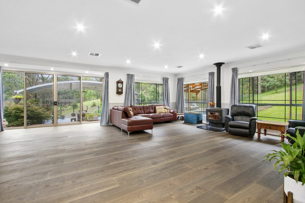 Big Modern Home in Exclusive Location