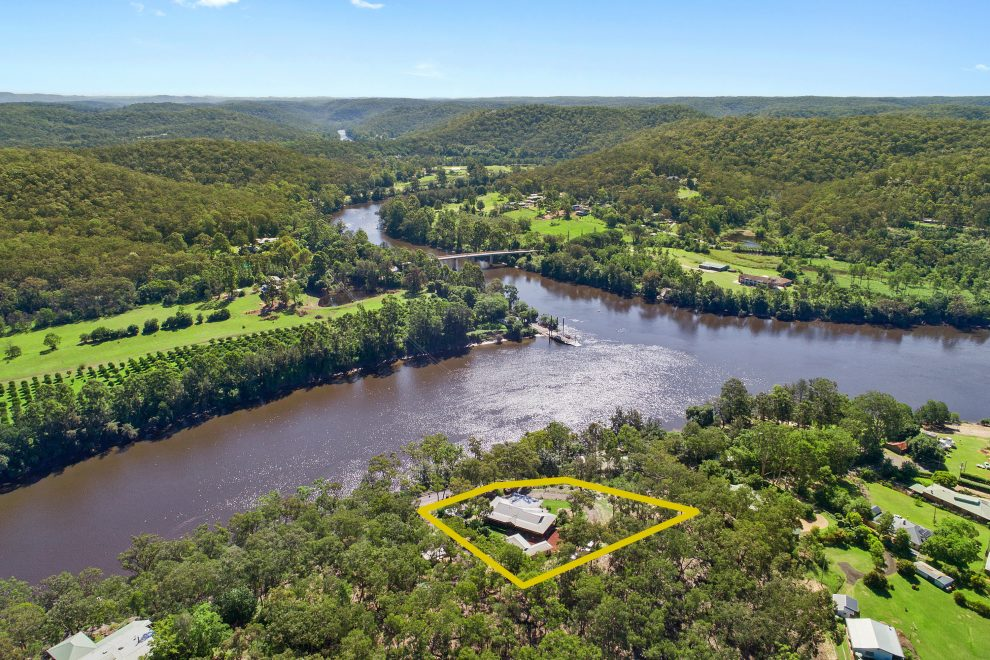 1 Stunning Acre with Unrivalled River Views