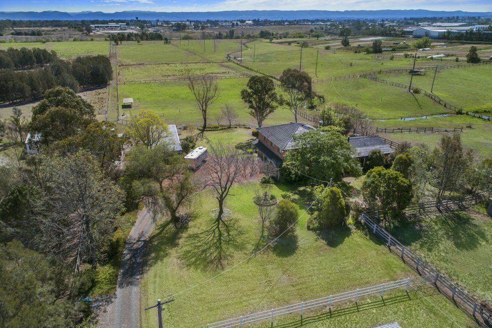 2 Homes on Immaculate Acres